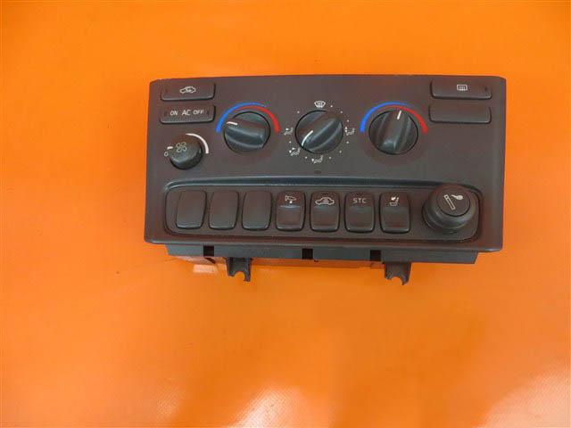 VOLVO S80 I PANEL NAWIEWU 2.5 TDI 9494249,,